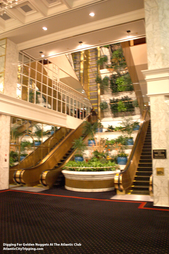 Atlantic Club Escalator